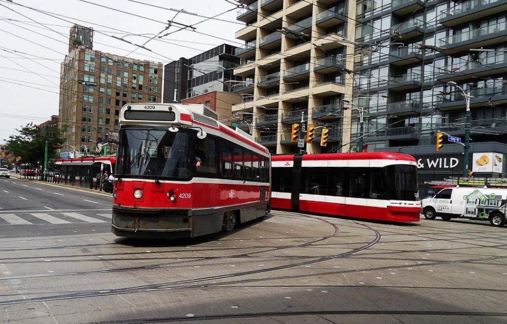 02 Toronto Streetcar